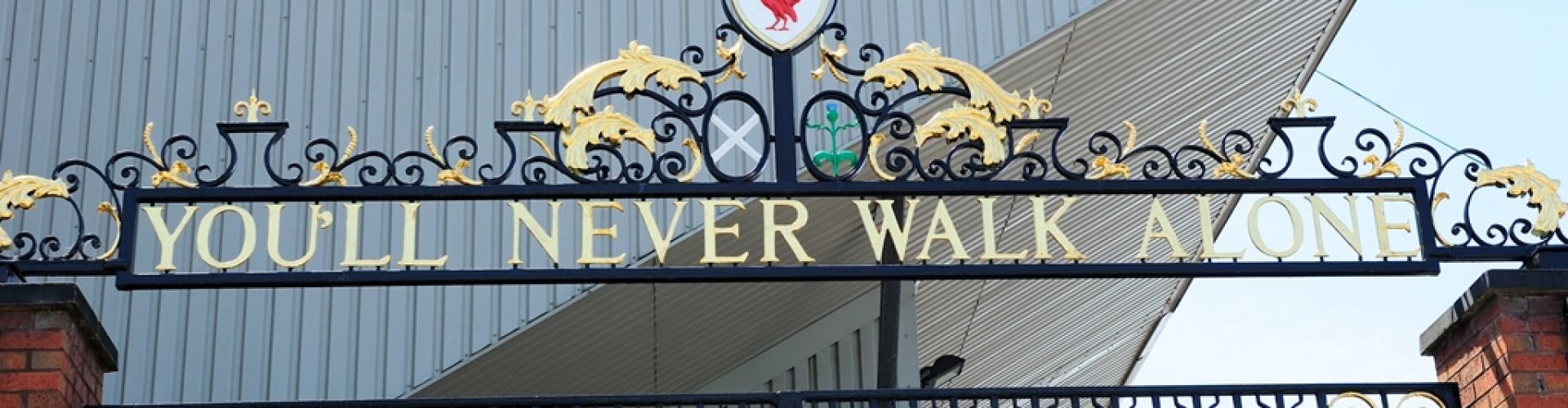 You'll Never Walk Alone Gate an der Anfield Road Liverpool